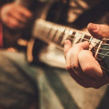 How To Shred Guitar Like A Total Pro