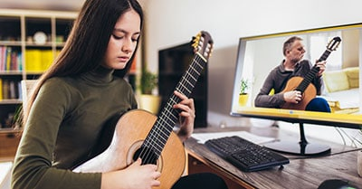 Best Online Guitar Lessons For Beginners And Intermediates